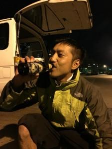 沖縄 ダイビング 水中ビール