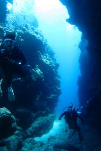 沖縄 ダイビング 地形