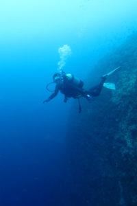 沖縄 ダイビング オーバーヘッドロック