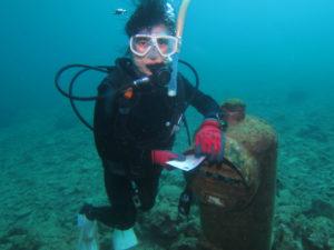 沖縄ダイビング 水中ポスト