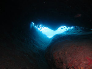 沖縄 ダイビング 万座 ハート穴