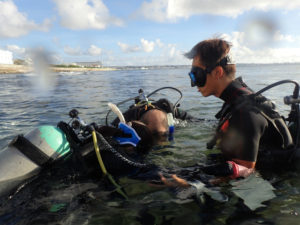 沖縄 北谷 砂辺 ダイビング OW講習