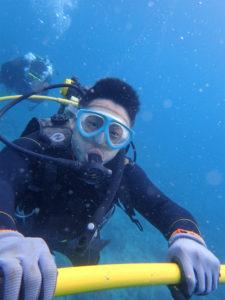 沖縄 体験ダイビング 水中