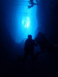 沖縄 青の洞窟 真栄田岬 ダイビング ビーチダイビング 体験ダイビング