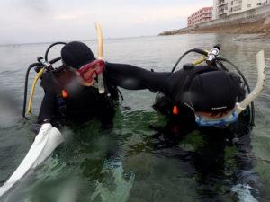 沖縄 砂辺 北谷 ダイビング ファンダイビング ビーチダイビング OW講習