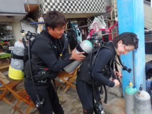 沖縄 北谷 砂辺 ボートダイビング ダイビング OW講習 PADI ビーチダイビング