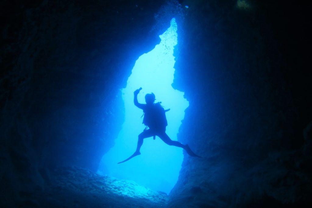 沖縄 渡名喜 ダイビング ボートダイビング ファンダイビング 自社船 トナキブルー ブルーホール