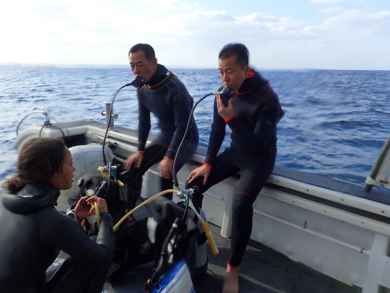 沖縄 沖縄本島 西海岸 読谷沖 イナンビシ ダイビング ボートダイビング 体験ダイビング 自社船