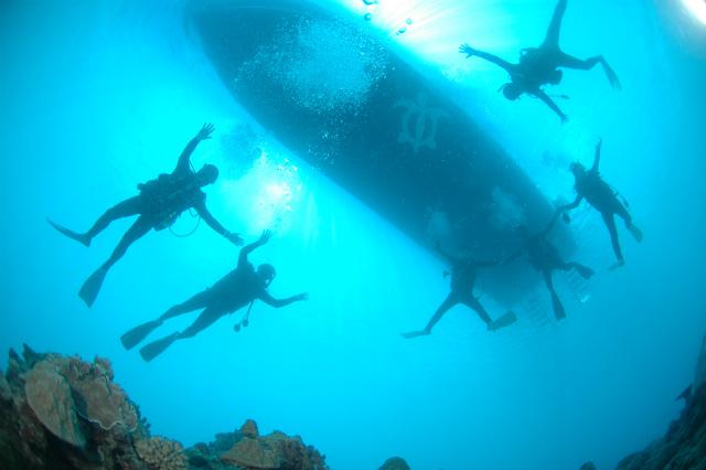 沖縄 チービシ ナガンヌ 神山 ダイビング ボートダイビング 自社船