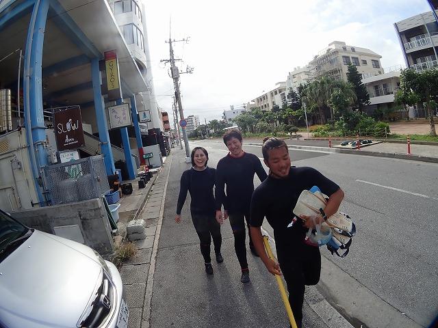 沖縄 体験ダイビング ショップ前