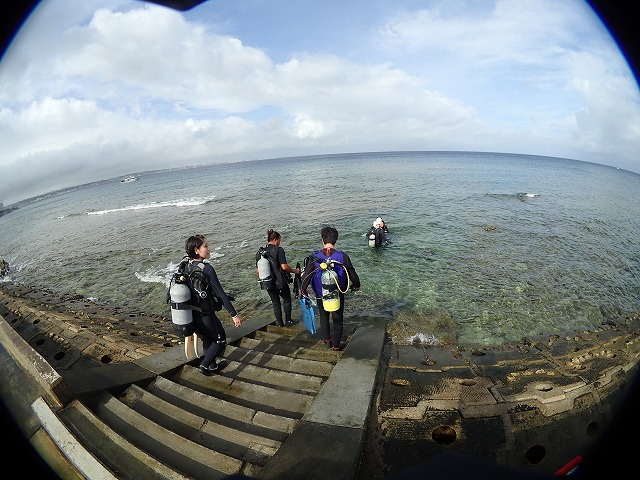 沖縄 体験ダイビング 砂辺エントリー