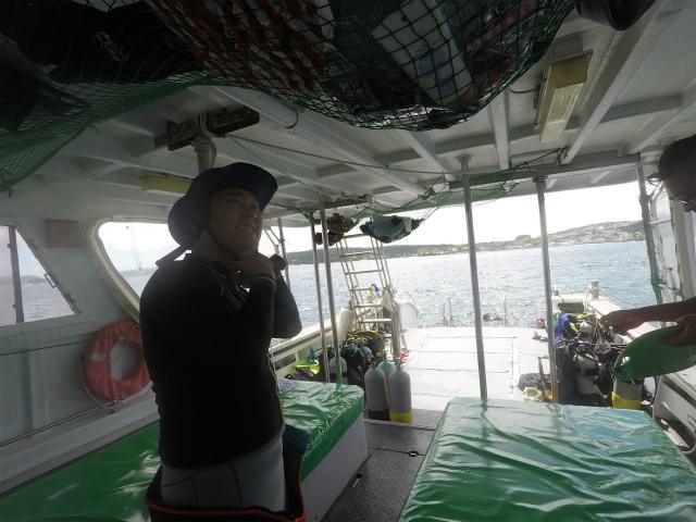 沖縄 読谷村 残波 沖縄本島 ダイビング ボートダイビング