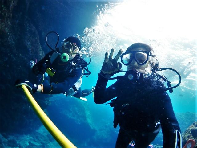 沖縄 真栄田 前兼久 青の洞窟 ダイビング ボートダイビング