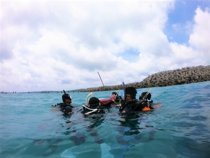 沖縄 沖縄本島 崎本部 ゴリラチョップ ビーチダイビング ダイビング