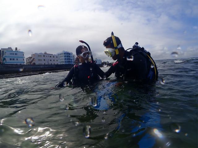 ダイビング 講習 沖縄 海