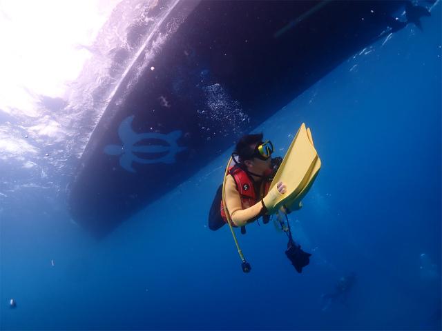 ダイビング ボート 沖縄 観光 海