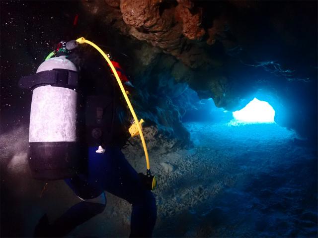ラビリンス 洞窟 アルファダイブ