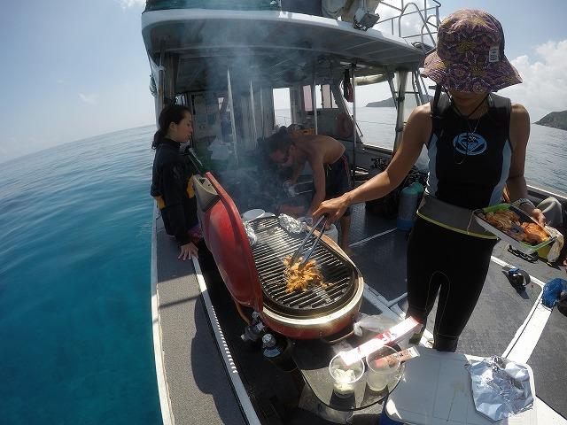 沖縄 ダイビング アルファダイブ 船上BBQ